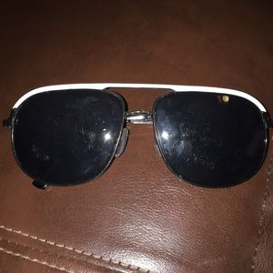 1a51d1e848 von maur Accessories - Black and white sunglasses